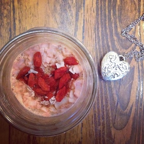 Rosy Goji Chia Seed Pudding