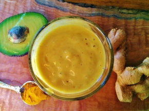 Sunny Delight Smoothie with Turmeric & Ginger